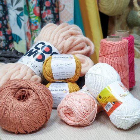 Hilos, lanas y mucho más...